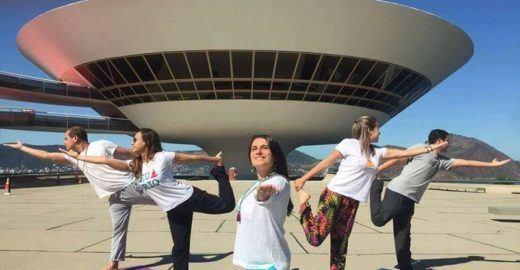 Yoga e meditação: domingo tem aula gratuita no MAC Niterói!