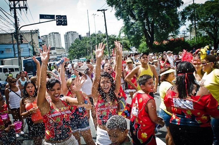 Bloco de rua de carnaval