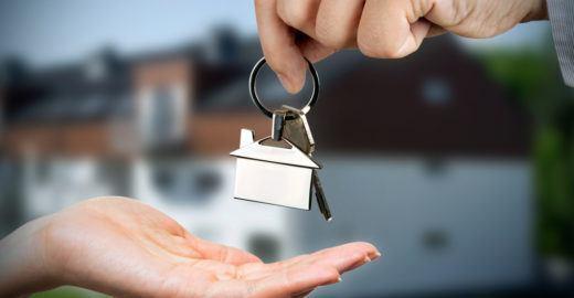 Leilão de casas e apartamentos online a partir de R$ 65 mil