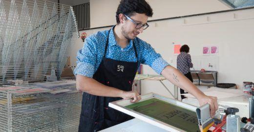 Escola de artes criativas promove atividades gratuitas