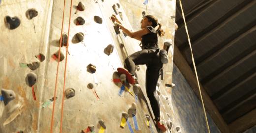 Maior ginásio de escalada da América do Sul fica na Pompeia
