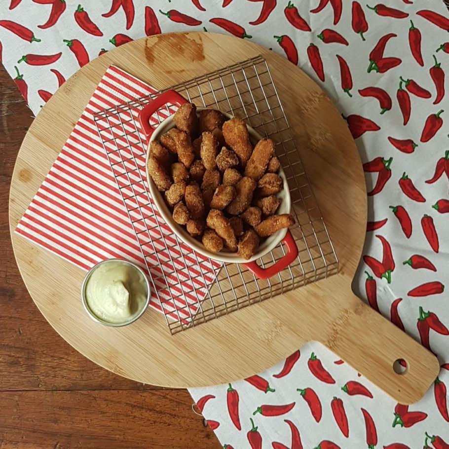 Fritas de couve-flor com maionese vegana, também de couve-flor
