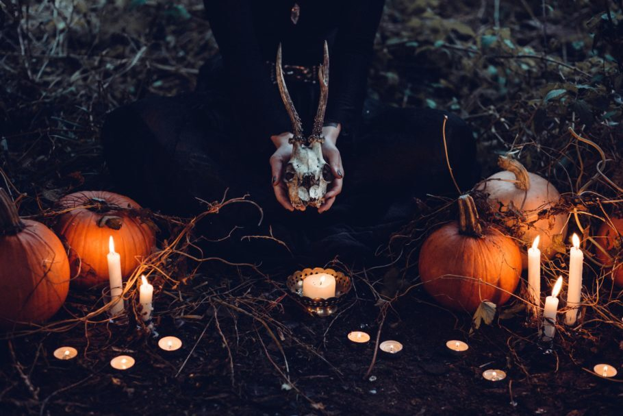 Velas e abóbras de Halloween
