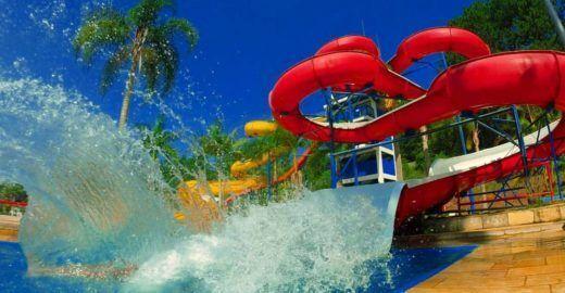 Parque aquático tem 'noites de horror' com ingressos a R$ 20
