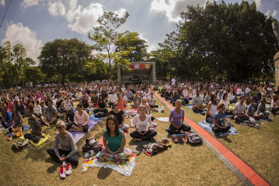 Meditação no parque Ibirapuera durante Virada Zen