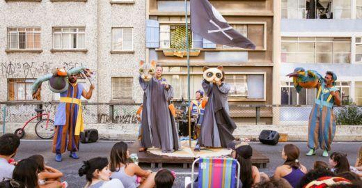 Grupo Esparrama encena peças infantis na Paulista Aberta