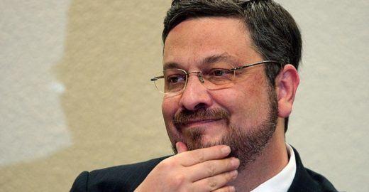 Palocci diz que bancos doaram R$ 50 milhões ao PT em troca de favores
