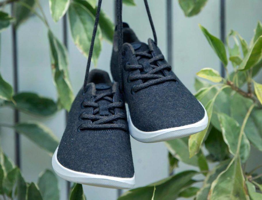 O sapato de lã é naturalmente antitranspirante e não requer o uso de meias