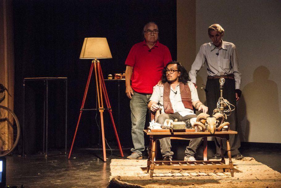 Um neto e dois avós no palco