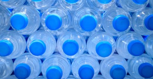 Gigantes de alimentos querem produzir garrafa PET sustentável