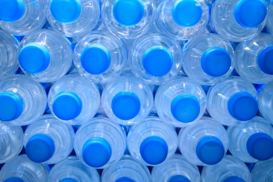 PepsiCo, Danone e Nestlé Waters formaram um consórcio para desenvolver uma garrafa PET sustentável