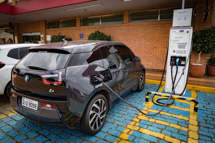 Segundo a associação de veículos elétricos, a carreata será carbono zero em emissões