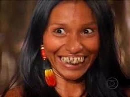 """Silvia Nobre Waiãpi na pele da índia Crocoká, da novela """"Uga Uga"""" (2000)"""