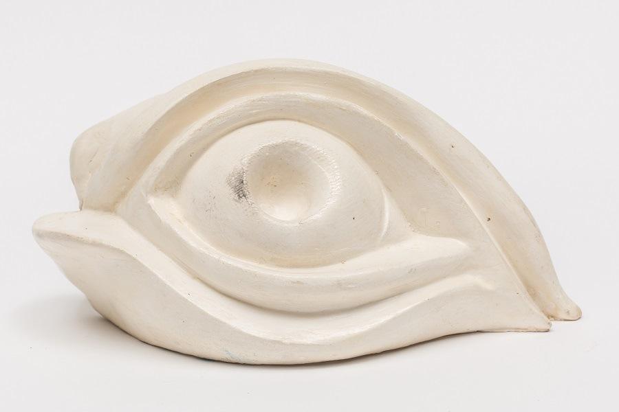 Obra de Louise Bourgeois integra a exposição 'Mulheres na Coleção MAR'