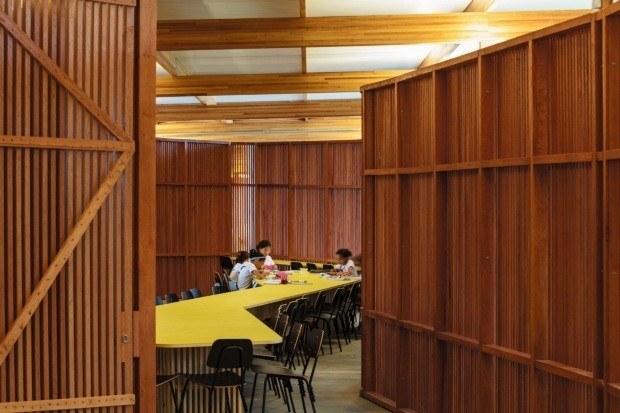 A moradia estudantil sustentável possui salas de estudo em sua estrutura
