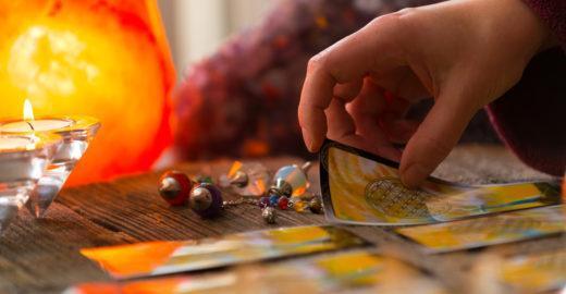 Mystic Fair une astrologia, medicina natural e rituais esotéricos