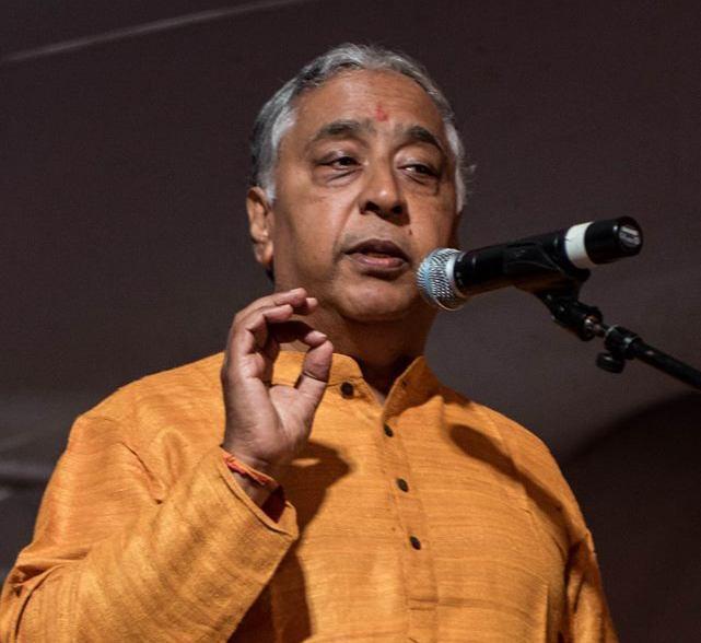 Ram falando o microfone
