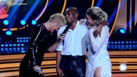 "Xuxa Meneghel se diverte com Amaral no ""Dancing Brasil"", da Record TV"