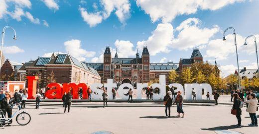 Amsterdã remove letreiro cartão-postal da cidade