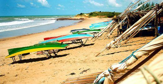 As cidades praianas com hospedagens mais baratas para o verão