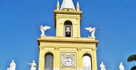 Circuito de segurança registra atentado em igreja; veja