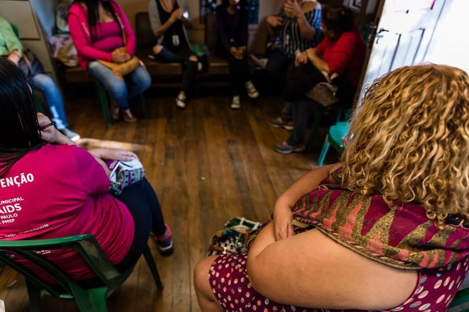 Mulheres em situação de prostituição se reúnem em encontro do projeto