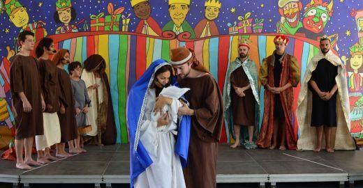 Natal nos Sescs 0800: árvore, mostras, folia, teatro e mais!