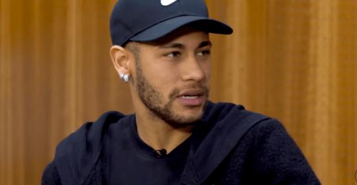 Neymar se defende das acusações de estupro e alega extorsão