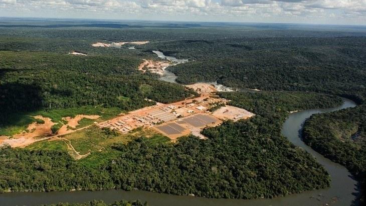 Paineis solares de Apiacás, no Mato Grosso: redução de emissões de CO2 é um dos benefícios da energia solar