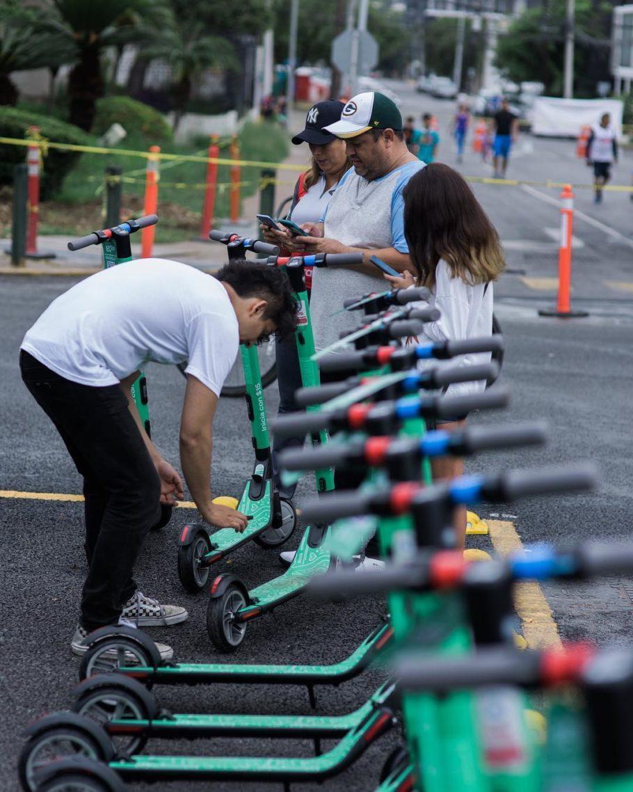 Patinetes elétricas ganham espaço nas ciclovias de São Paulo
