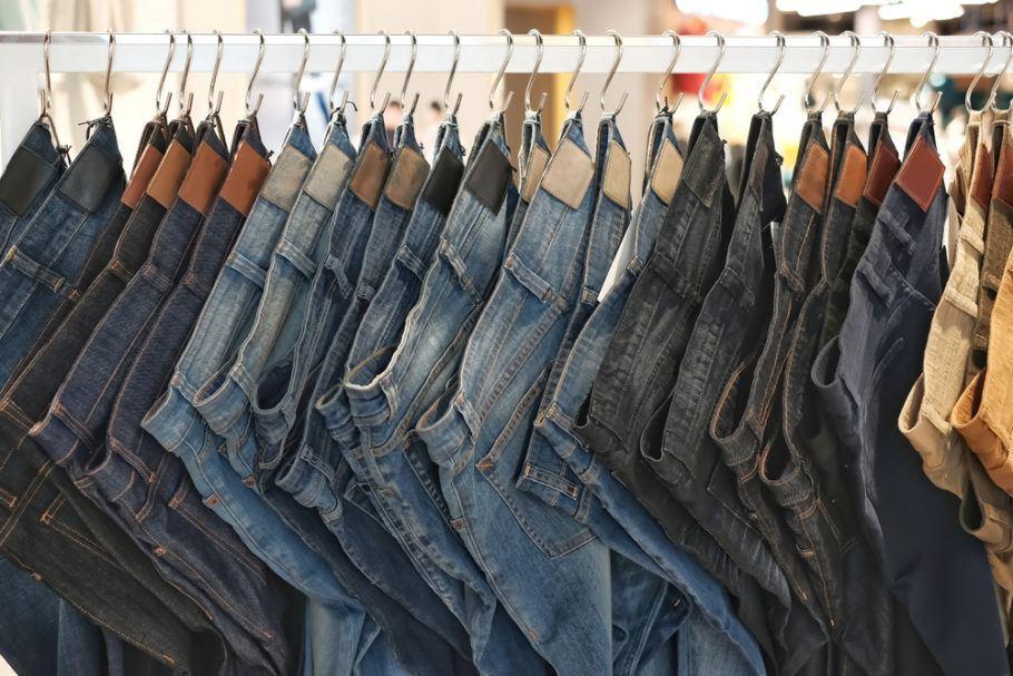 Pegada hídrica do jeans: de 3.000 a 10.000 de água são usados em sua produção