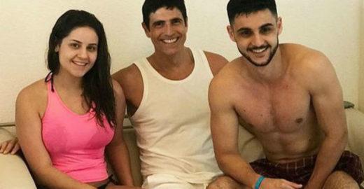 Reynaldo Gianecchini reproduz foto de 18 anos atrás com sobrinhos