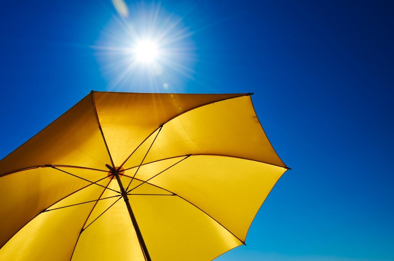 guarda-sol na praia