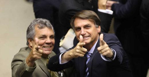Ex-assessor de Bolsonaro recebeu R$ 92 mil sem pisar na Câmara