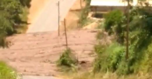 Vídeos denunciam estragos causados pelo rompimento de barragem