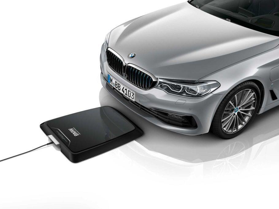 A BMW é uma das pioneiras na estação de recarga do carro elétrico sem fio