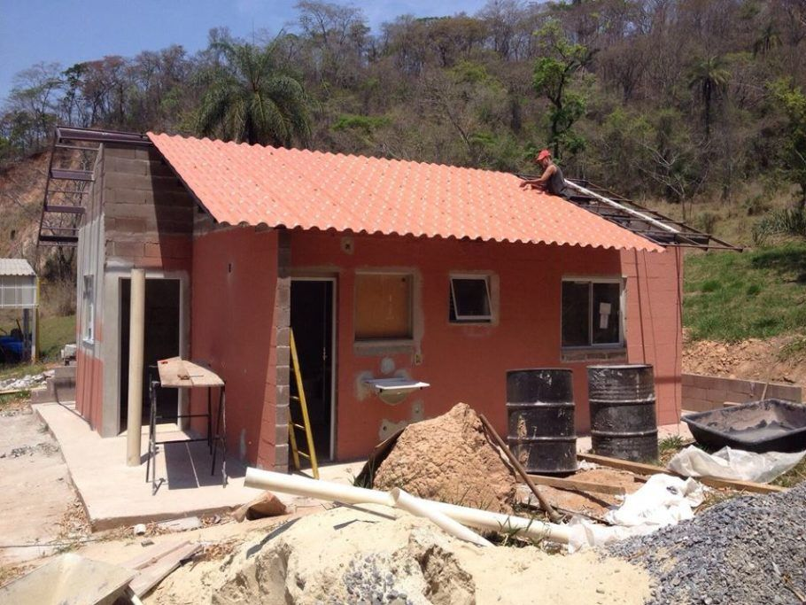 A casa de lama de rejeitos foi desenvolvida por pesquisadores da UFMG
