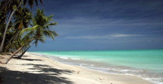 Confira cinco roteiros imperdíveis pelas praias de Alagoas