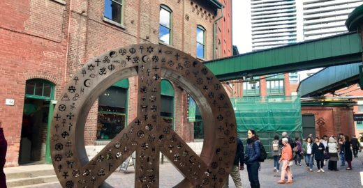 Descubra 8 passeios para um roteiro completo em Toronto