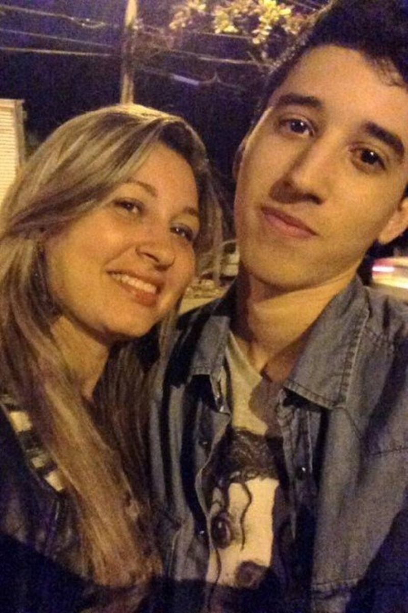 Matheus e sua mãe, Carla