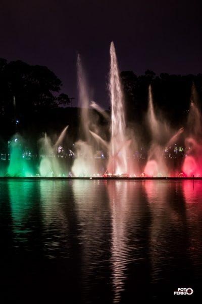 fonte do ibirapuera apresenta espetáculo de luzes