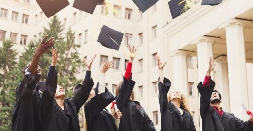 Estude no exterior com uma destas quatro bolsas de estudo interna