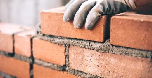 Curso gratuito capacita profissionais da construção civil