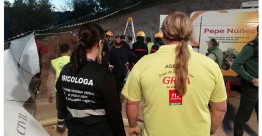 Mais de cem pessoas tentam resgatar menino que caiu no poço