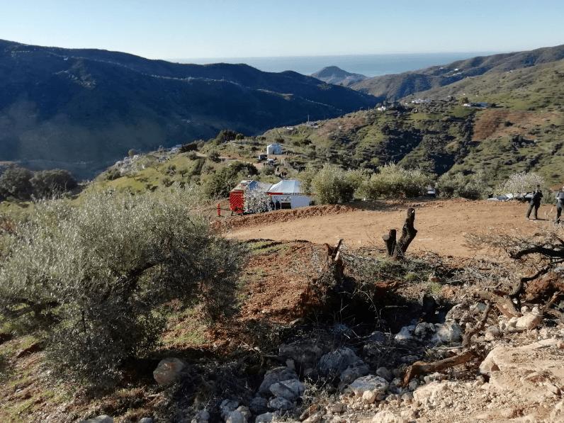 Equipes trabalham ativamento no resgate do menino de 2 anos em poço na Espanha.