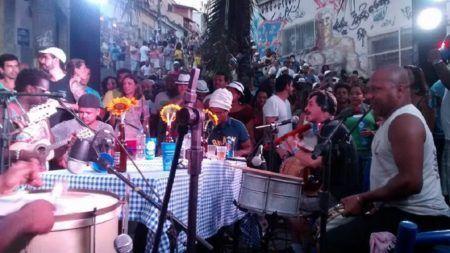 Pedra do Sal tem samba histórico e de raiz toda segunda!