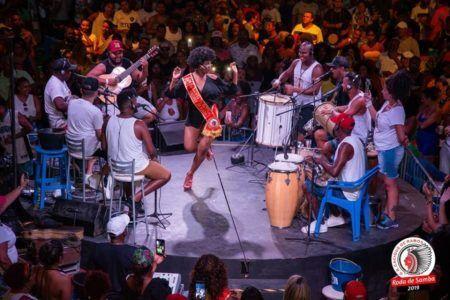 Domingo tem samba no Cacique de Ramos