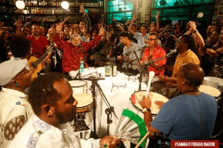 Comandando por Moacyr Luz, o Samba do Trabalhador rola toda segunda