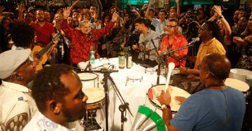Moacyr Luz e o Samba do Trabalhador comemoram 14 anos de roda