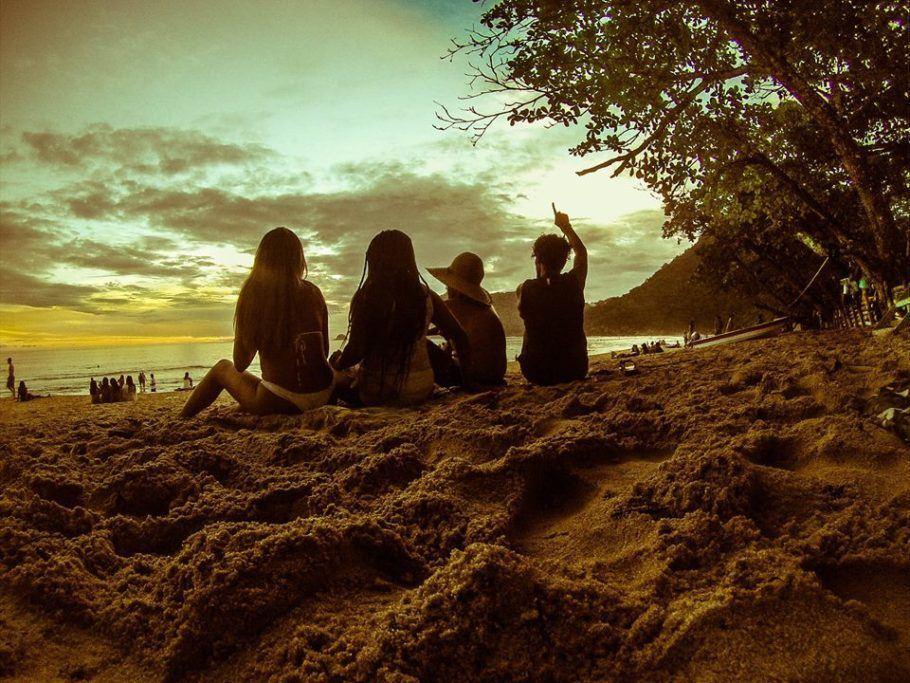 Amigos na Praia do Sono